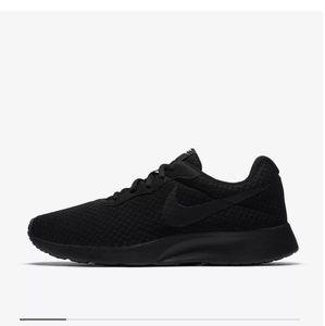 Black Nike Training Shoes EUC size 8
